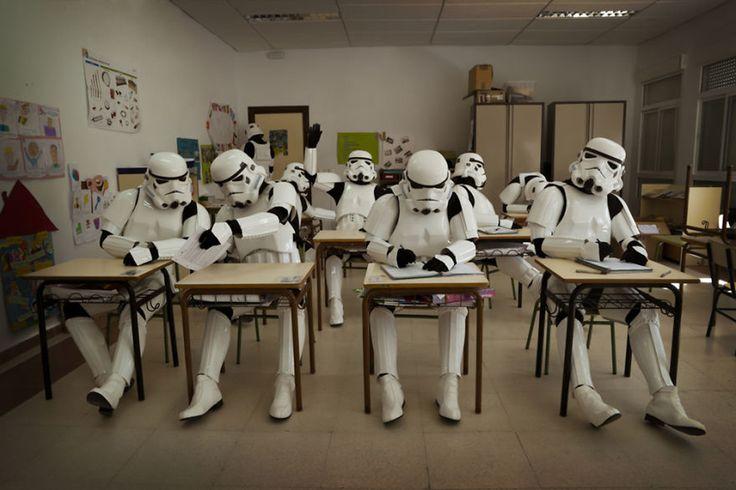 A vida cotidiana dos Stormtroopers por Jorge Pérez Higuera: