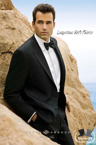 -the Carlyle peak #tuxedo    -luxuriously soft Super 120s wool  www.bernardsformalwear.com #bernardstux