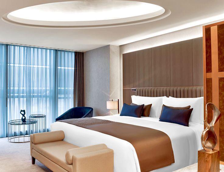 St. Regis Hotels & Resorts, membre deStarwood Hotels & Resorts, a récemment annoncé l'ouverture du St. Regis Istanbul. Propriété de Nisantasi Konaklama ve Otel Hizmetleri A.S. (Groupe Demsa), le St. Regis Istanbul marque l'arrivée de la marque de luxe en Turquie. Au sommet du luxe Niché dans l'élégant quartier de Nişantaşi, le
