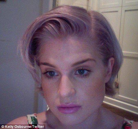 Kelly Osbourne New Hairdo | Kelly Osbourne shows off her new lavender blonde hairdo