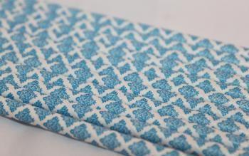 12 paperipilliä, kirkkaansininenvärinen damask-kuvio, myyjä Maili http://www.taitomaa.fi/shop/maili