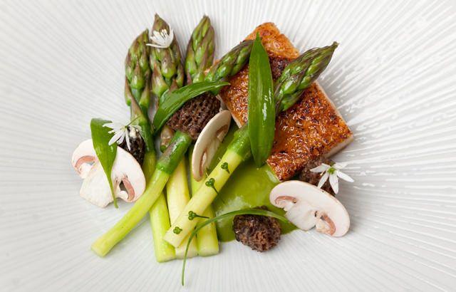 Chicken with wild garlic and asparagus.