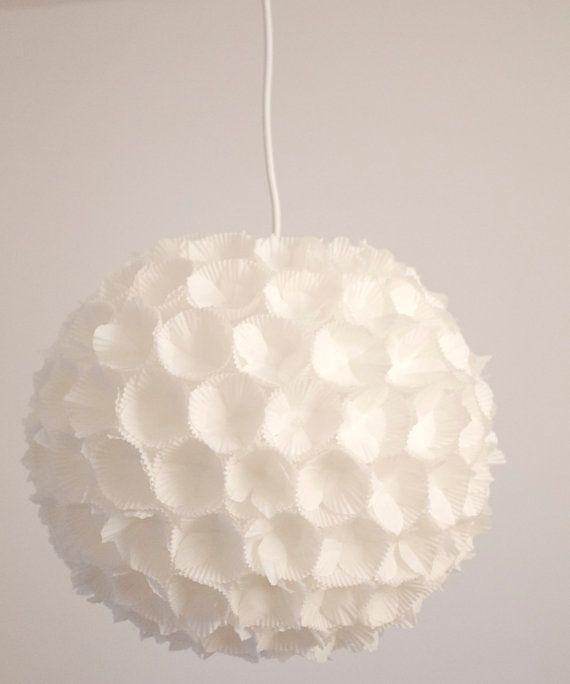 DREI hängende Lampe weiß/Lampenschirm-Ball mit 3D Papier Blumen / verschiedene Größen/handmade/Wohn-Schlafraum