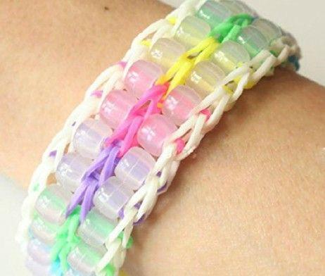 Rainbow Loom armband met UV-verkleurende kralen