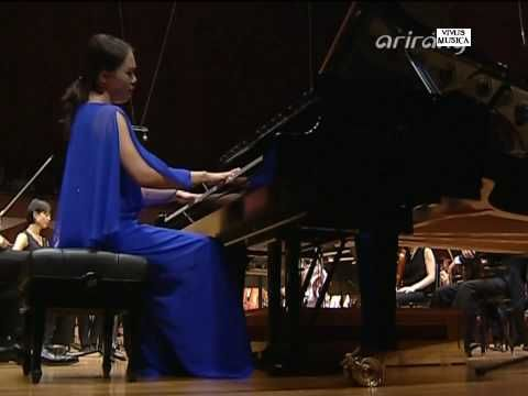 Gershwin's Embraceable You (Earl Wild transcription) played by Yeol Eum Son.