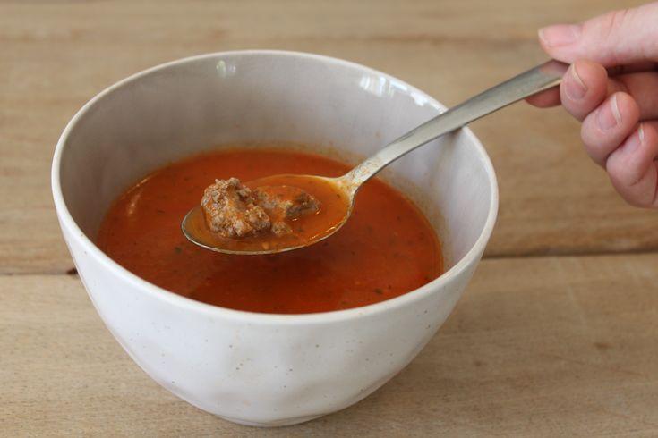 heerlijke zelfgemaakte tomatensoep en dat zonder pakjes en zakjes! ook jij kan dat met dit makkelijke recept.