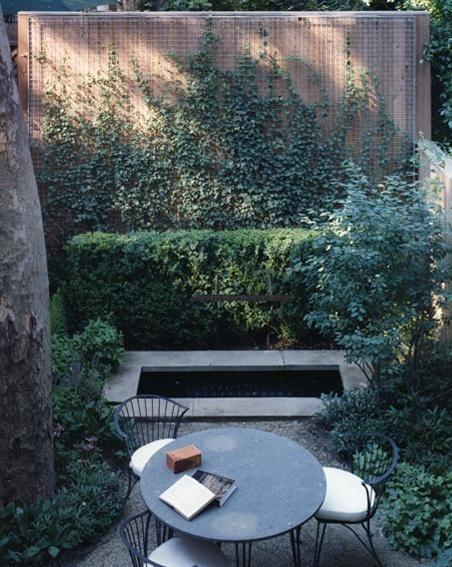 Townhouse garden by Steven Harris Architects
