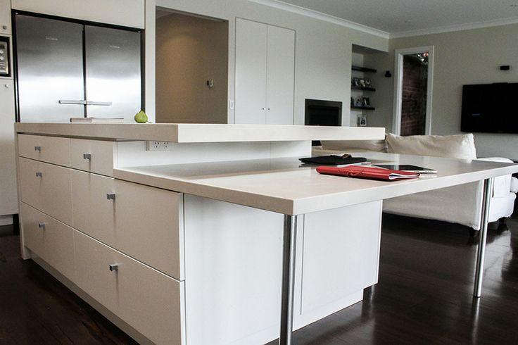 eat.bathe.live :: Hampton residence by eat.bathe.live - kitchen features informal dining area