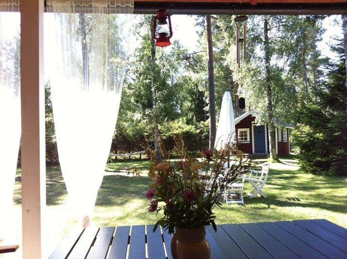 Der frühe Vogel kann mich mal! Bei uns finden Sie noch viele tolle Ferienhäuser in Schweden für Ihren nächsten Urlaub, wie auch dieses: