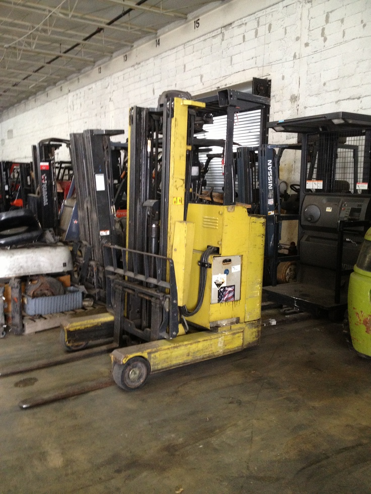 Used reach truck great conditions good battery and charger triple mast just $2,900