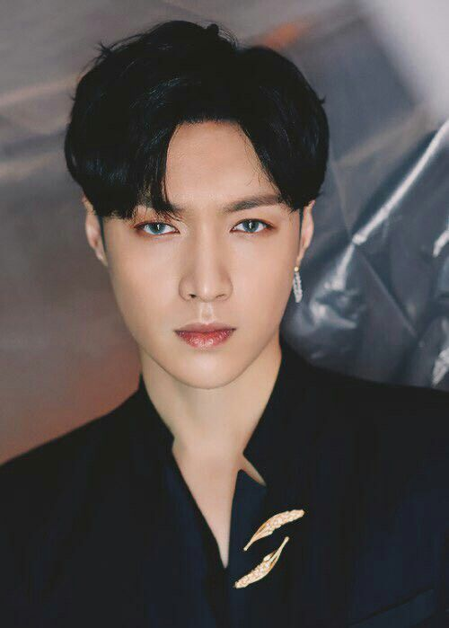 Zhang Yixing!! Like damn