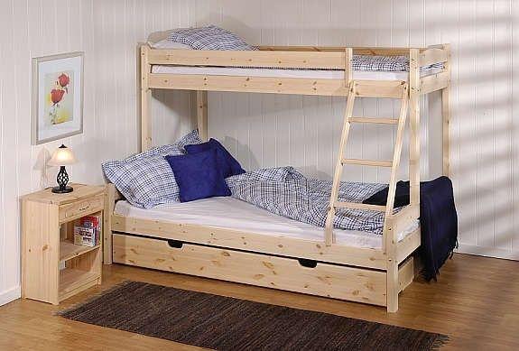 En flott familiekøyeseng løsning for å oppnå flest mulig sengeplasser på liten plass! Her ligger 3 mennesker godt. Pris Gjelder Ubehandlet . Malt Hvit Kr 4790; Enkeltseng oppe på 75x200cm og nede er det dobbeltseng på 150x200cm.