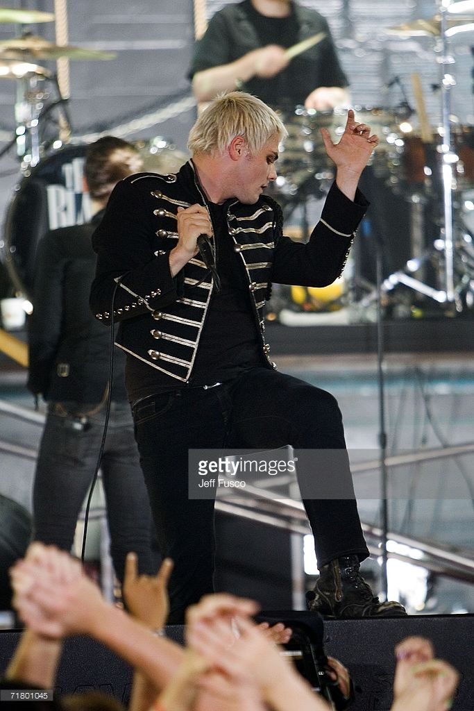 Lead singer Gerard Way of the band My Chemical Romance performs at the MTV2 $2 Bill Concert Series September 6, 2006 in Philadelphia, Pennsylvania. Previously, the $2 Bill Concert Series has featured a unique mix of musical artists including the Beastie Boys, Radiohead, Linkin Park, Nas, and Kanye West.
