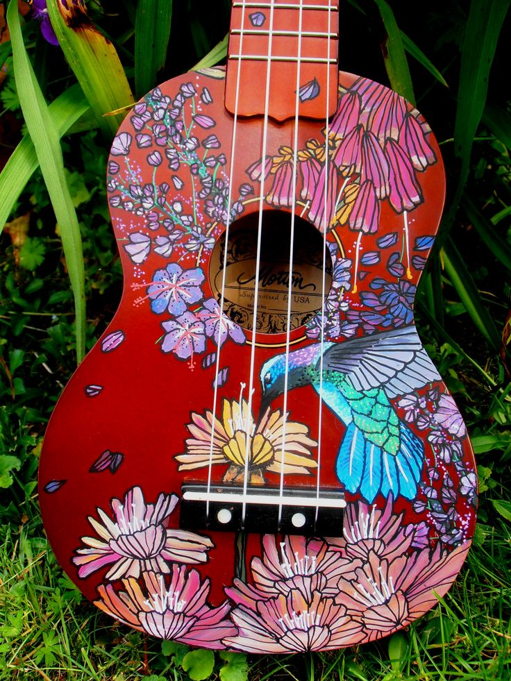 I will do this to my small uke some day) handpainted by suzanne van gils