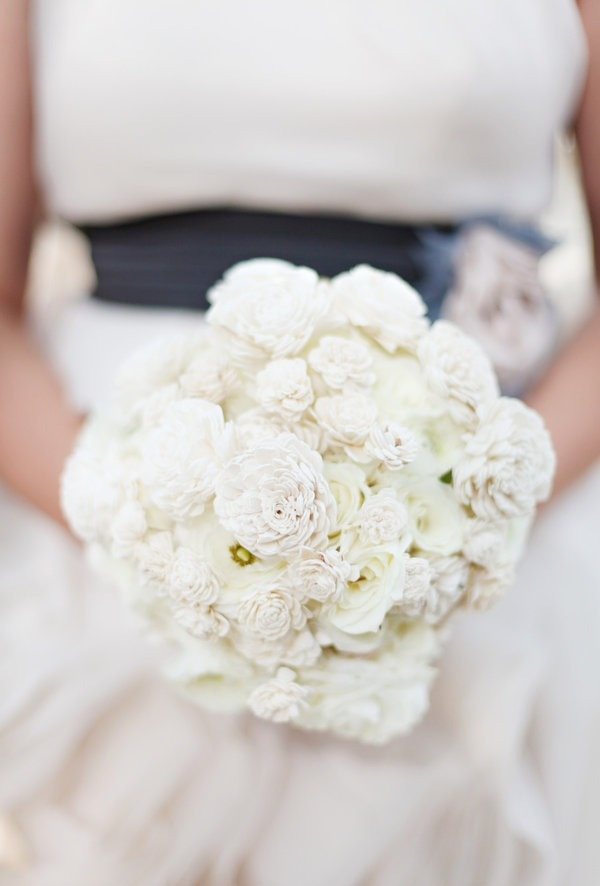 gorgeous bridal bouquet idea with a touch of honey or maybe white phales
