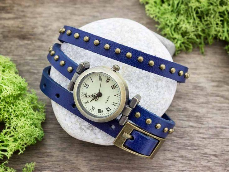 Kék bőrszíjas díszített vintage óra