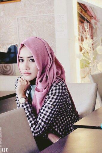 Aceh Urban Hijab  Model: Nadila Anisa Pratiwi Location: Craving light  MUA: Personal