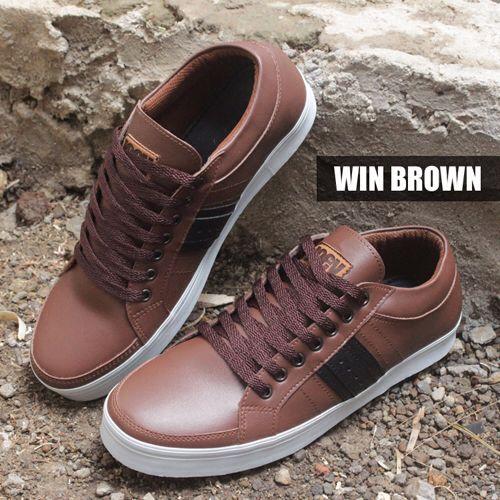 WIN BROWN | IDR 250k | SMS KETIK NAMA_KODEBARANG_SIZE_ALAMAT kirim ke 08164218191  #sepatu #sepatuhandmade #sepatubandung #giantflames #joeythefootwear #ready #shoesholic #shoes #sepatucowo #boot #boots #zapato #footwear #menfootwear #streetfootwear #hipster #streetwear #lookbook