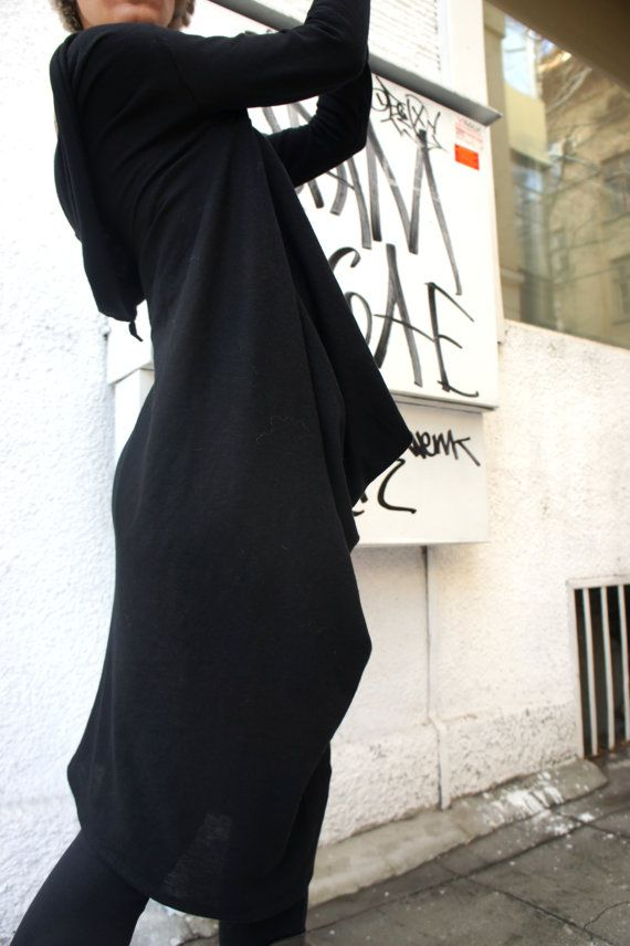 Prachtige zwarte brei tuniek Top / losse lange Blouse / Casual kleding, Extra lange mouwen noem het Addicted Zowel perfect voor dagelijks gebruik of zijn sexy en mode in een partij...  Zachte. gebreide katoenen stof geeft je alle vrijheid die u nodig hebt... Draag hem als een jurk of een tuniek Top, backless, ondersteboven... Stijl met jeans, legging of broek, of korte...  Worden wie je wilt BE met uw nieuwe mode-verleiding   Verschillende grootte beschikbaar S, M, L, XL, XXL  Koud wassen of…