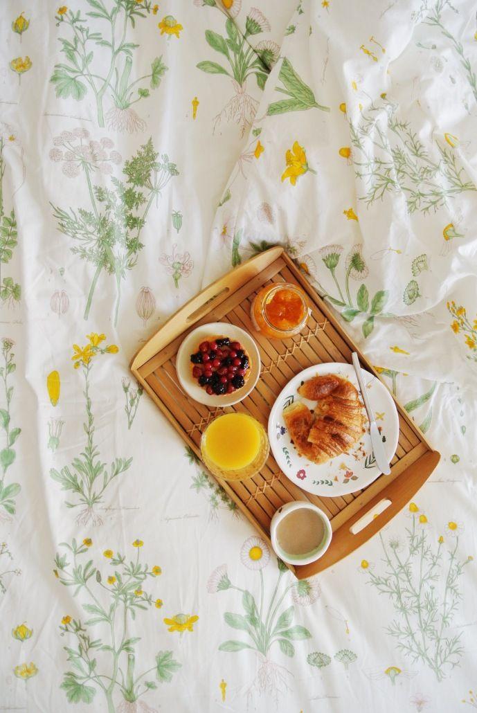 Un desayuno especial en la cama - All Lovely Party