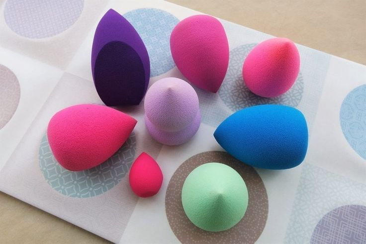 The flawless face achieved with the aid of a few tricks and the right tools for the job, #BeautyBlender for a  #FlawlessFace