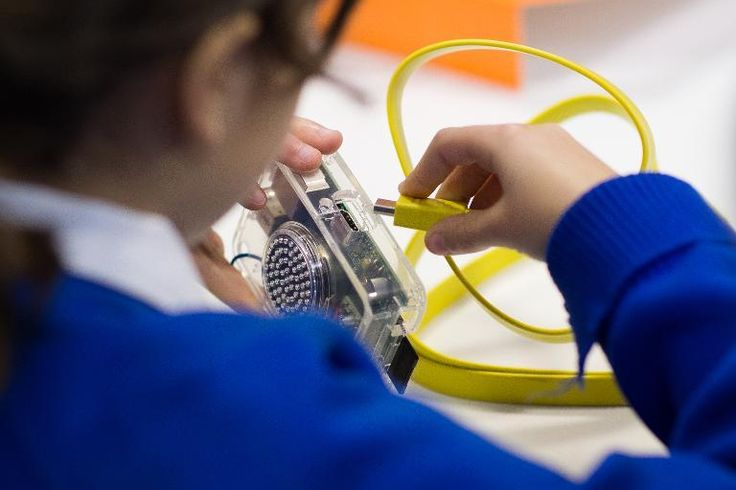 Workshop in London Teaches PC DIY Spirit to Children - Futurelooks