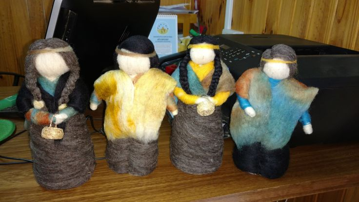 Chilotes con tecnica de vellon agujado, #muñecas, #decoracion, #hechoamano, hecho por VELLONAS CHILHUE