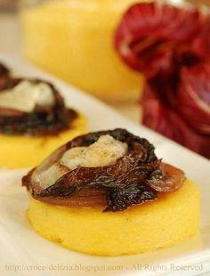 Crostini di polenta con radicchio e gorgonzola