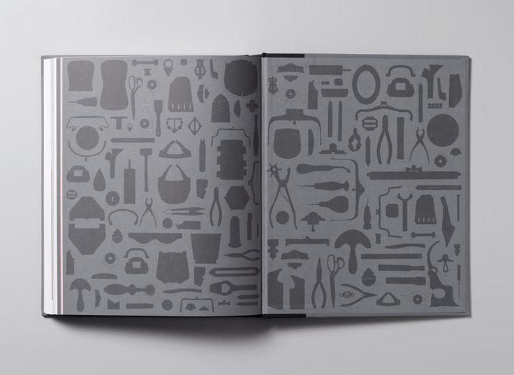 Print designed by Charlie Smith Design for the Simone Handbag Museum