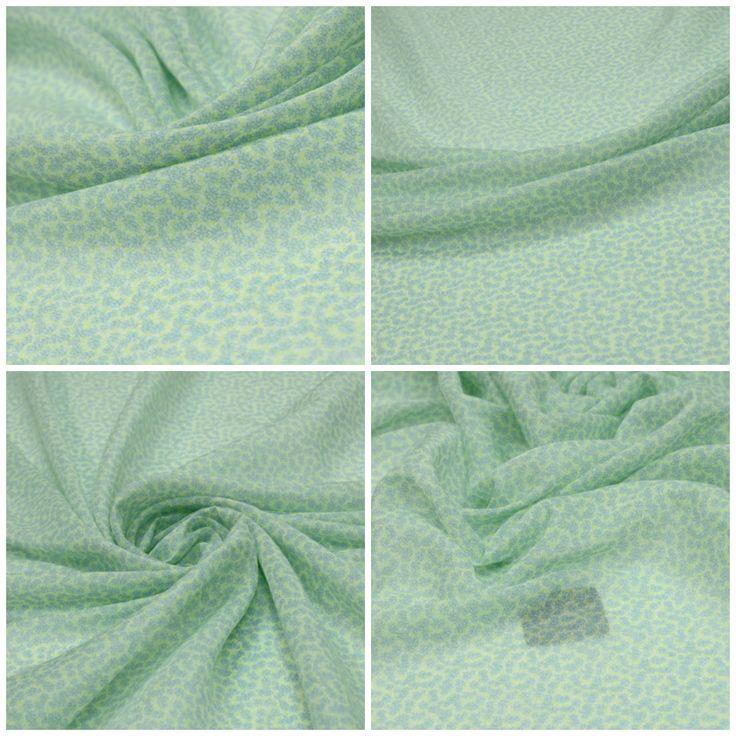 Батист с шелком  арт. 12-003-2404 Ширина: 139 см, плотность: 60 г/м2 Состав ткани: 60% хлопок 40% шелк Цвет: Фон: белый. Голубой. Зеленый  #батист#хлопок#шелк#зеленый#tutti-tessuti