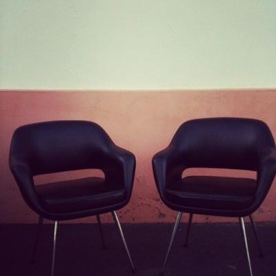 2 Eero Saarinen chairs, Strafor edition like Knoll edition