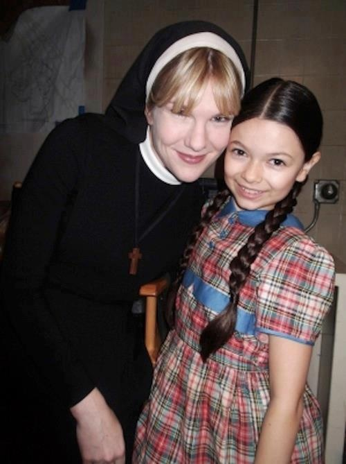 Lily Rabe as Sister Mary Eunice and Nikki Hahn as Jenny Reynolds, AHS : Asylum