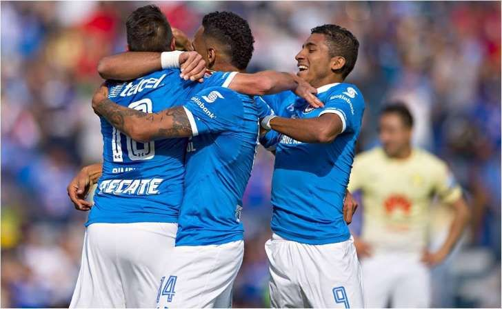 Cruz Azul le mete tres goles al América en seis minutos