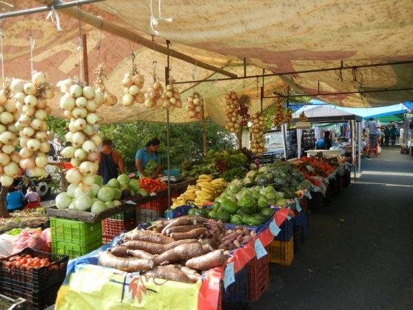 Farmers market at Manuel Antonio/ Quepos, Costa Rica