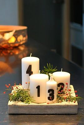 Modern Advent Wreath without black numbers