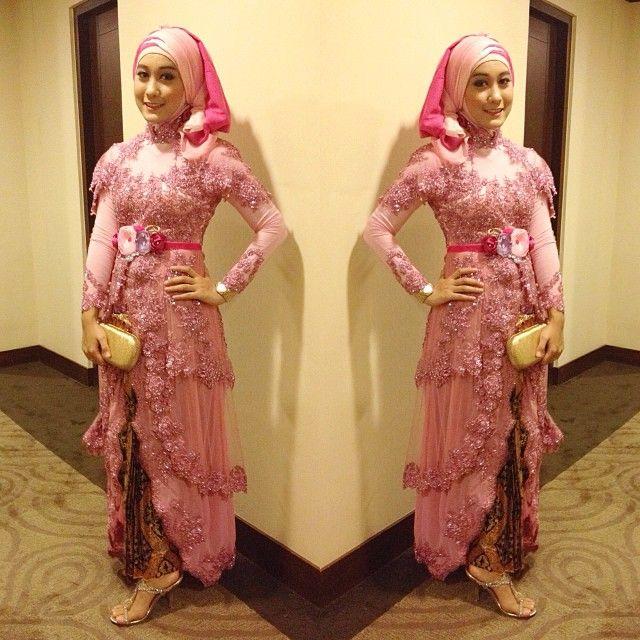 Kebaya modern (pink)