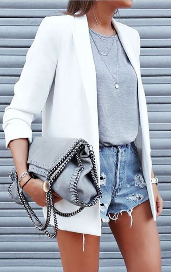 Simple outfit idea: white jacket grey tee, large grey bag and jeans. Love how the necklace lay give a v-neck type of feel.
