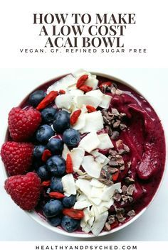 Lean how make an ACAI BOWL using less acai berry powder but keeping the taste and health benefits. This bowl is packed with antioxidants and is totally #vegan and #refinedsugarfree. Packed with superfoods, this is a #healthy smoothie. via @healthandpsyched
