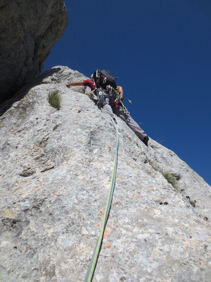 [RELAZIONE: PIZZO DEL DIAVOLO - DIRETTISSIMA AL COLLETTO e SPIGOLO BAFILE (D- V-): una delle salite classiche più famose e affascinanti dei Monti Sibillini.