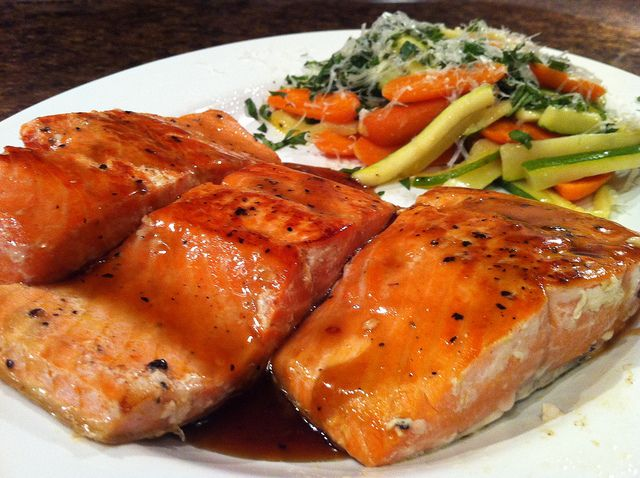 honey basalmic glazed salmon and zucchini (try w/ chicken?)