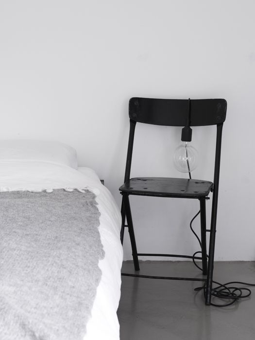 Best bedside table idea - AnoukB