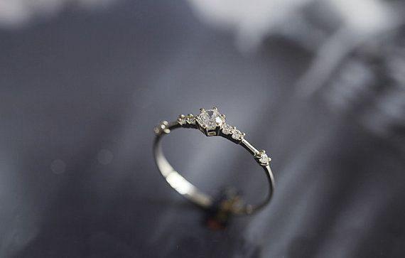 Auf Verkauf-Dainty Moissanite Verlobungsring von Donatellajewelry