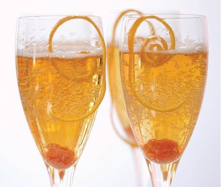 "Non-alcoholic ""Champagne"" Cocktail."