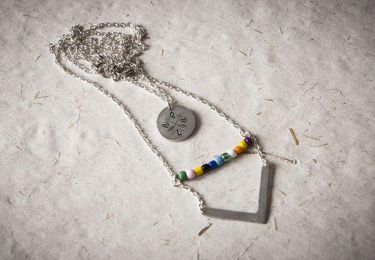 Set di due collane con iniziali e frecce di Gioielli fatti a mano da SilviaWithLove - prodotti unici e personalizzati  su DaWanda.com