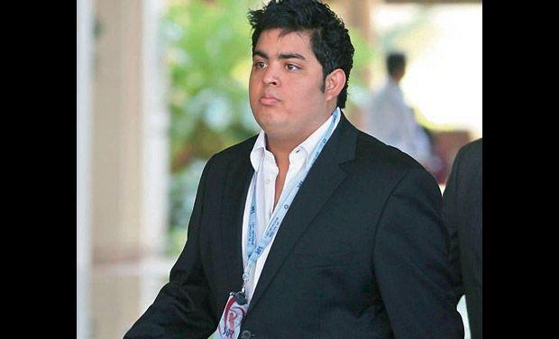 Akash, son of Mukesh Ambani target of Twitterati