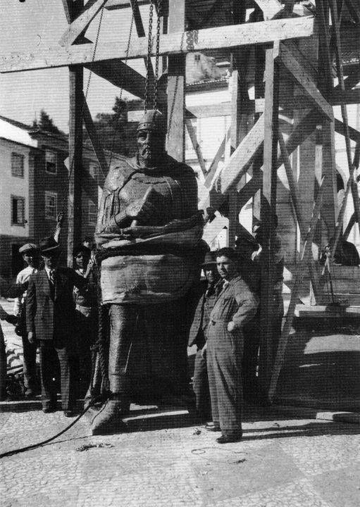Inauguração na Praça da Republica do monumento a D. Gualdim Pais (Tomar, 1940)