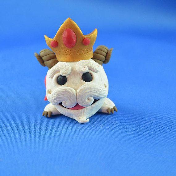King Poro from League of Legends, handmade Poro sculpture, original gift idea, lol fan art, fantasy RPG gift, cute kawaii Poro figurine clay