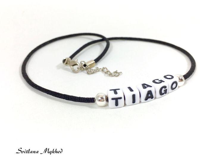 """Collier """"Tiago"""" (personnalisable , réversible) homme, femme, enfant avec prénom ou message : Collier par perles-et-couronnes"""