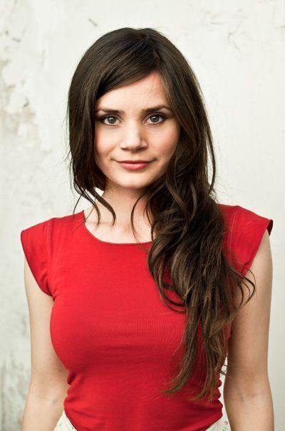 Offizielle Homepage der Schauspielerin & Moderatorin & YouTuberin JOYCE ILG