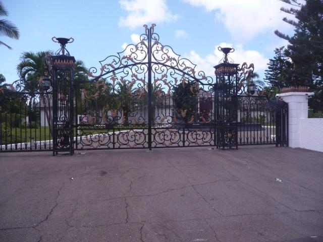 Surrey Tours Nassau